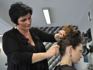 Création d'un chignon - Envisage coiffure